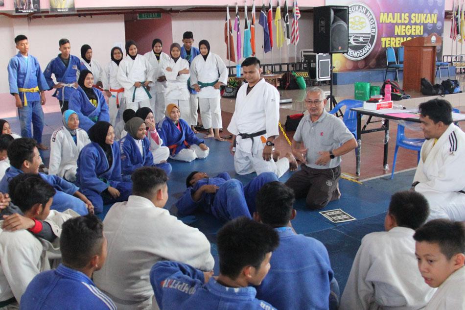 Hampir 10 tahun Sir Yunos masih terus mencurah bakti kepada pasukan judo Terengganu untuk memastikan pasukan ini akan terus memburu kejayaan di SUKMA Perak 2016 nanti. Kredit Foto - PenyuSukan.com