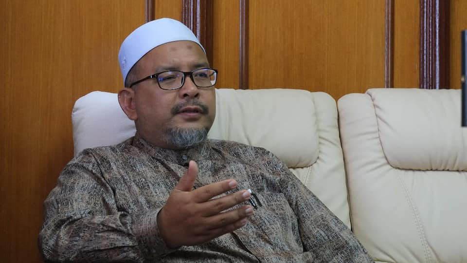 Pengerusi Jawatankuasa Pembangunan Belia, Sukan dan Badan Bukan Kerajaan Negeri Terengganu - YB Ustaz Wan Sukairi Wan Abdullah.