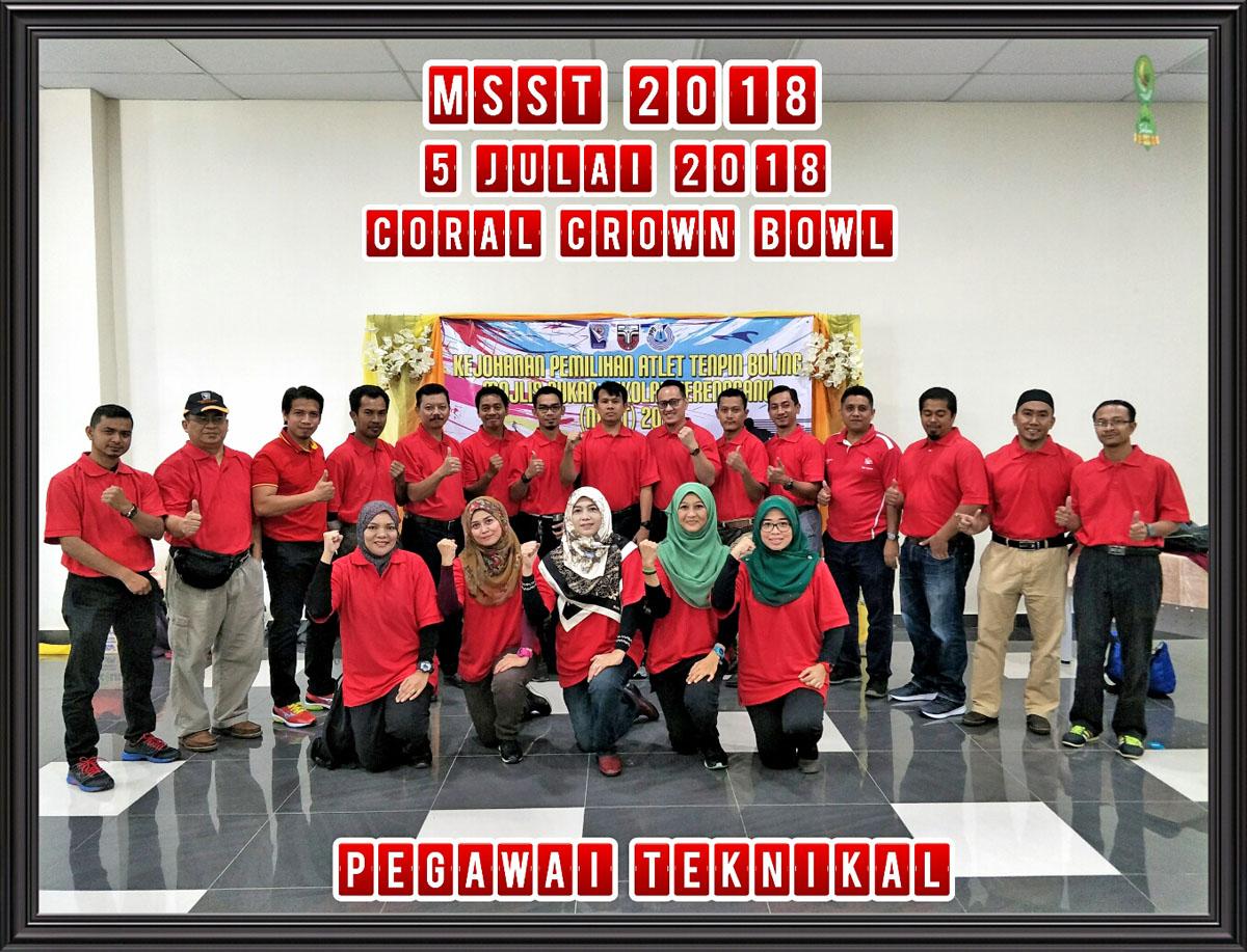 Pegawai-pegawai teknikal tenpin boling di Kejohanan Tenpin Boling Majlis Sekolah Sukan Negeri Terengganu(MSST) 2018. Kredit Foto - Cikgu Aida/MSSD KT