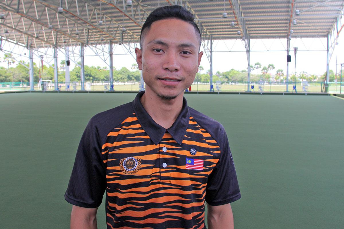 Atlet kebangsaan penuh berpengalaman yang juga anak jati Kampung Ladang, Kuala Terengganu; Mohd Fairuz Abdul Jabal turut beraksi bagi mewakili pasukan kebangsaan. Kredit Foto - PenyuSukan.com