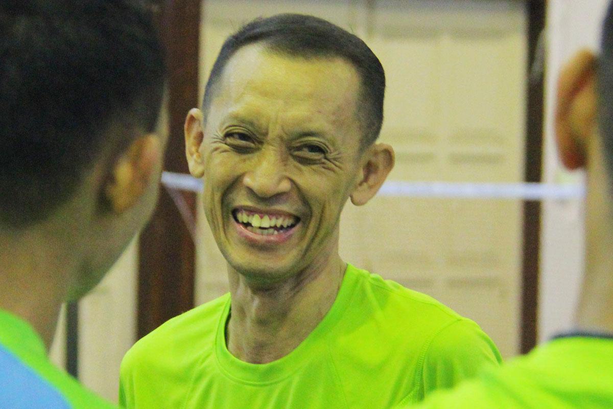 """""""Kami tidak mahu bakat mereka menjadi sia-sia kerana tidak mendapat ruang dan peluang yang sewajarnya. Suatu ketika dulu kami(adik beradik lagenda badminton negara) seperti adik-adik di sini semua, kini dengan kejayaan dan pengalaman ingin kami pulangkan kepada mereka."""" ujar Ketua jurulatih Kelab Badminton Nusa Mahsuri; Haji Rahman Dato' Haji Sidek. Kredit Foto - PenyuSukan.com"""