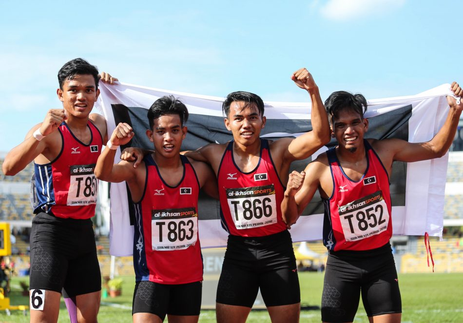 Skuad 4 x 100 m Lari Berganti Lelaki Terengganu Hanelang meraih pingat emas buat kontijen negeri Terengganu dengan catatan masa 40.210. Kredit Foto - Sekretariat SUKMA Perak 2018