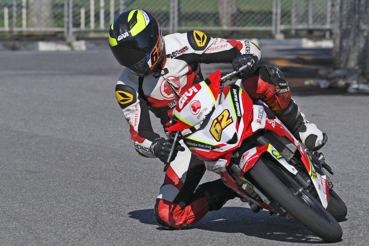 Pelumba Mohamad Harith Farhan Baharin yang juga bekas pelajar SMK Sultan Sulaiman, Kuala Terengganu turut pernah meraih podium diusia 13 tahun dalam perlumbaan Cub Prix 2012 di Sepang, Selangor.