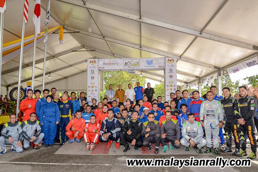 Barisan pelumba yang akan berentap untuk merebut kejuaraan perlumbaan Rali Terengganu 2018 yang juga merupakan siri perlumbaan terakhir dalam kalendar tahunan Kejuaraan Rali Malaysia 2018. Kredit Foto - MalaysianRally.com