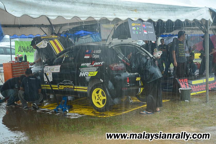 Cuaca tidak menentu sewaktu musim hujan monsun pantai timur antara cabaran Rali Terengganu 2018 yang juga merupakan siri perlumbaan terakhir dalam kalendar tahunan Kejuaraan Rali Malaysia 2018. Kredit Foto - MalaysianRally.com