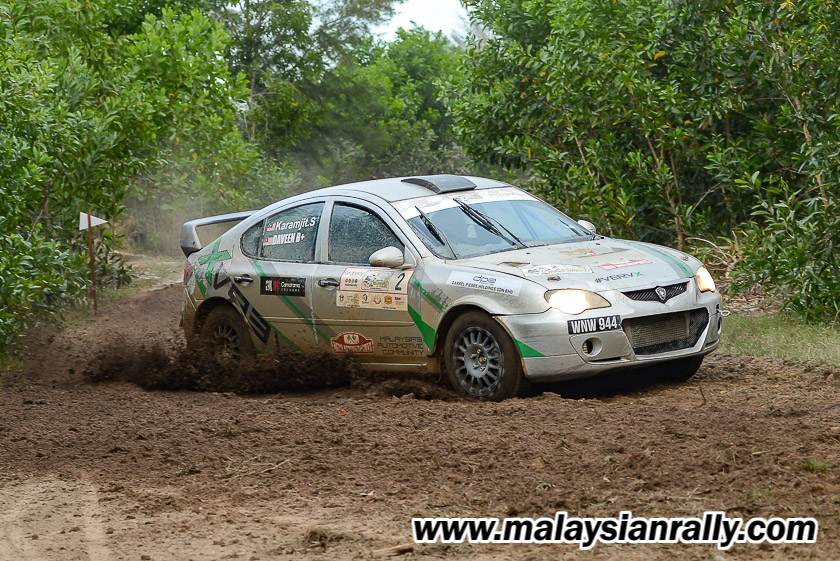 Aksi pelumba berpengalaman besar dalam sukan perlumbaan rali; Karamjit Singh dan penunjuk arah Daveender Singh membuktikan jentera Proton Gen 2 dari MRU Motorsports Team mampu mencatat masa terpantas dalam perlumbaan Rali Terengganu 2018. Kredit Foto - MalaysianRally.com
