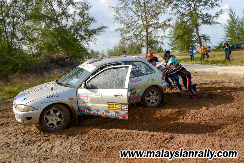 Hari pertama perlumbaan Rali Terengganu 2018 menyaksikan pelbagai kesukaran bentuk muka bumi yang ditempuhi oleh pelumba. Kredit Foto - MalaysianRally.com
