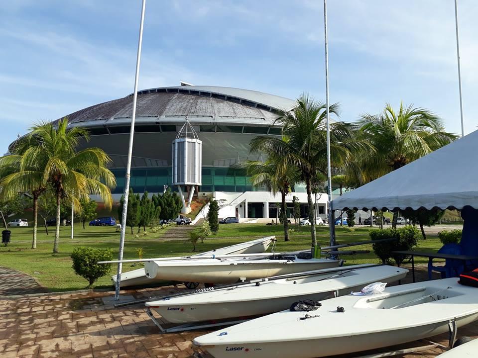 Tasik Kompleks Sukan Gong Badak yang terletak di Kuala Nerus mencipta sejarah dalam sukan pelayaran negeri Terengganu apabila pertama kali dianjurkan di sini. Kredit Foto - https://www.facebook.com/TerengganuWindsurfingSA