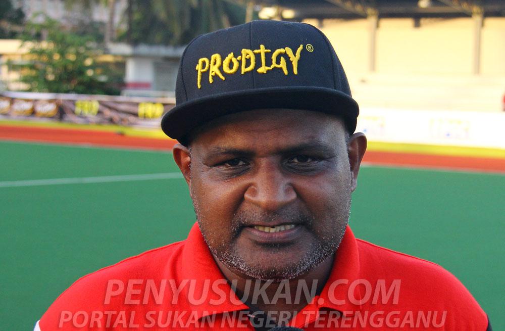 Ketua jurulatih Pasukan Hoki Terengganu (THT), I. Vikneswaran. Kredit - PenyuSukan.com