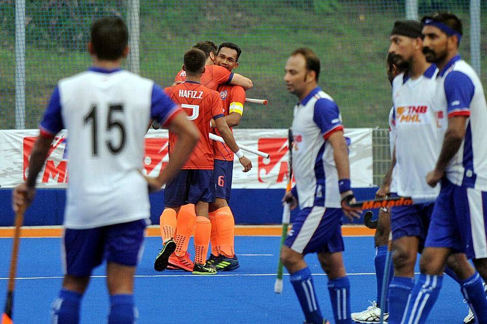 Kapten UniKL Marhan Jalil meraikan gol menentang Nur Insafi di Stadium Tengku Abdullah, Bangi hari ini. UniKL menang 3-1 sekaligus mencatat kemenangan ke-3 setelah mengharungi empat perlawanan dalam saingan Liga Hoki Malaysia 2019. Kredit Foto - Agensi