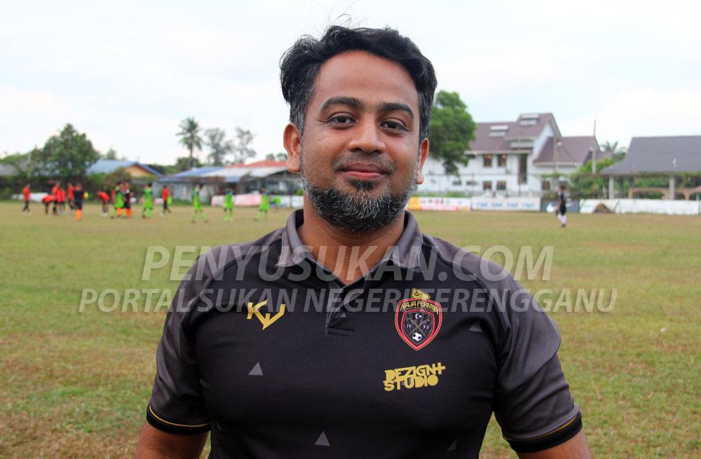 Pengurus pasukan Raja Permin FC; Mohd Dede Ellanne. Kredit Foto - PenyuSukan.com