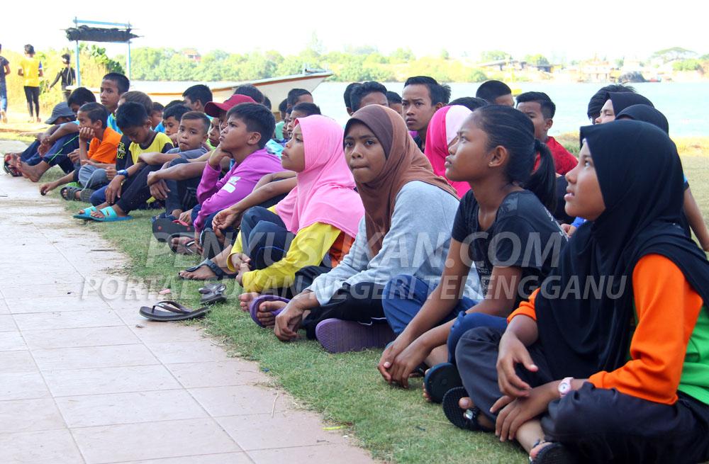 Wajah-wajah peserta program Sirkit 1 Sukan Pelayaran MSS Pahang berusia di antara 6 sehingga 15 tahun dari pelbagai daerah dalam negeri Pahang. Kredit Foto - PenyuSukan.com
