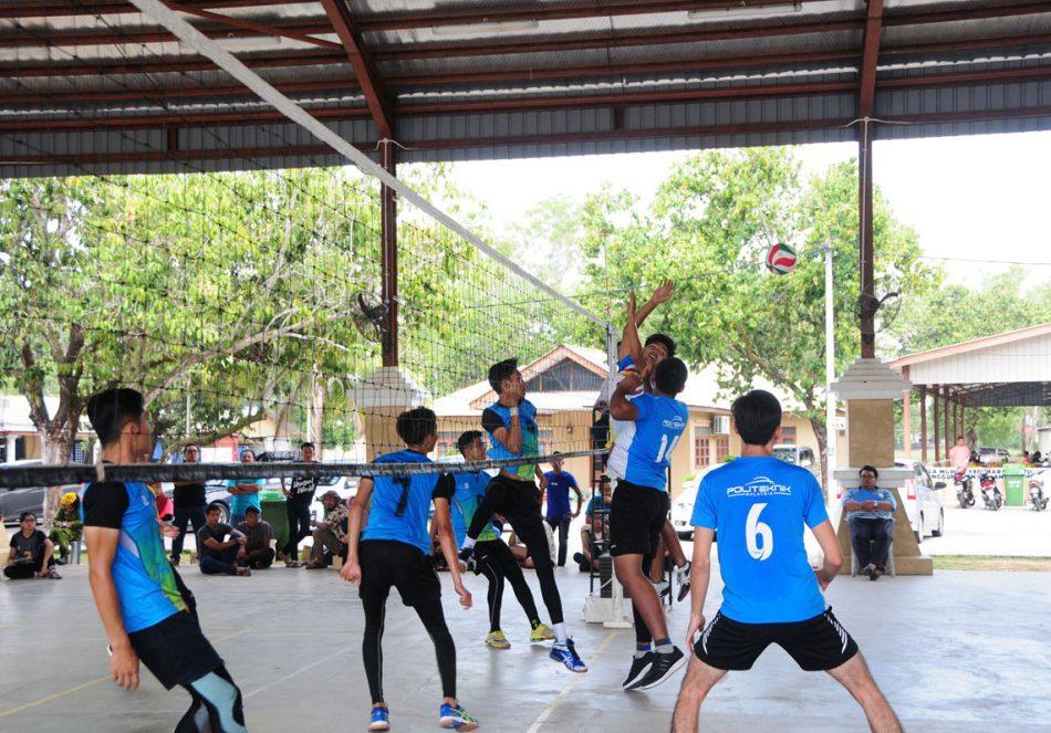 Kredit Foto - https://www.flickr.com/photos/polikualaterengganu
