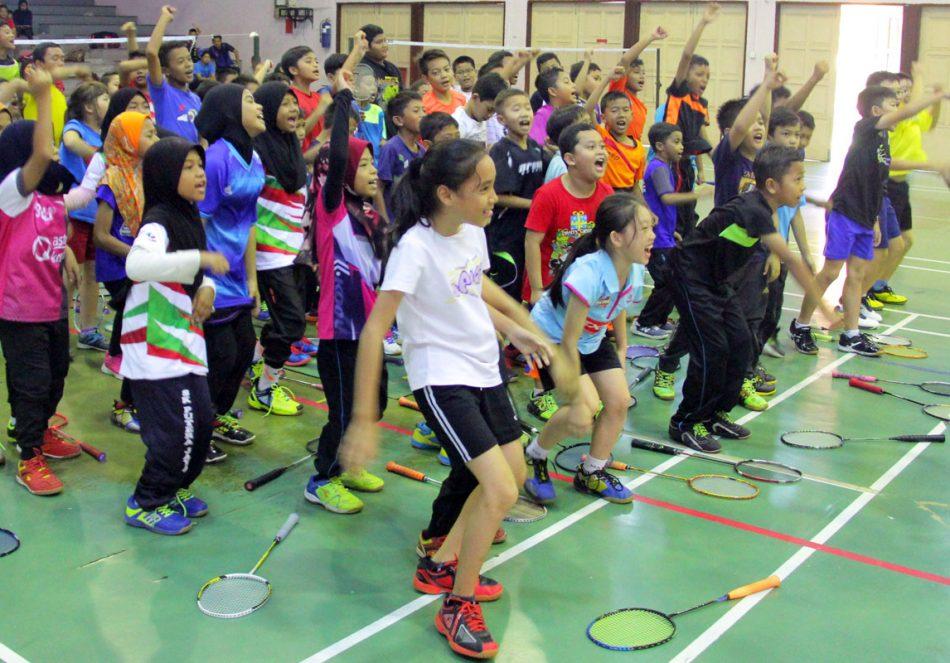 Peserta Kem Bakat Badminton Kementerian Belia dan Sukan Peringkat Negeri Terengganu 2018 telah berkampung selama 3 hari bermula dari 9 hingga 11 Ogos 2018 bertempat di Jabatan Belia dan Sukan Negeri Terengganu. Kredit Foto - PenyuSukan.com