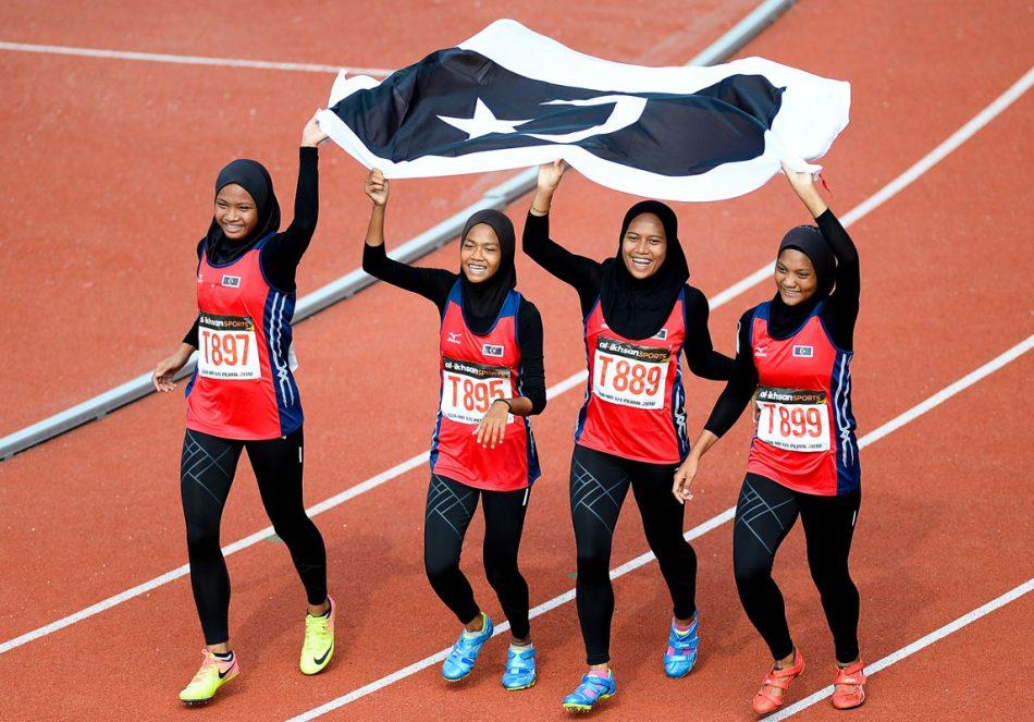 Skuad 4 x 100 m Lari Berganti Wanita Terengganu Hanelang turut meraih pingat emas buat kontijen negeri Terengganu dengan catatan masa 47.010 . Kredit Foto - Sekretariat SUKMA Perak 2018